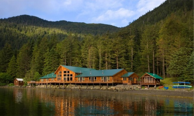 Visiting Alaska - Waterfall Resort & Steamboat Bay Fishing Club #WaterfallResort #SteamboatBay